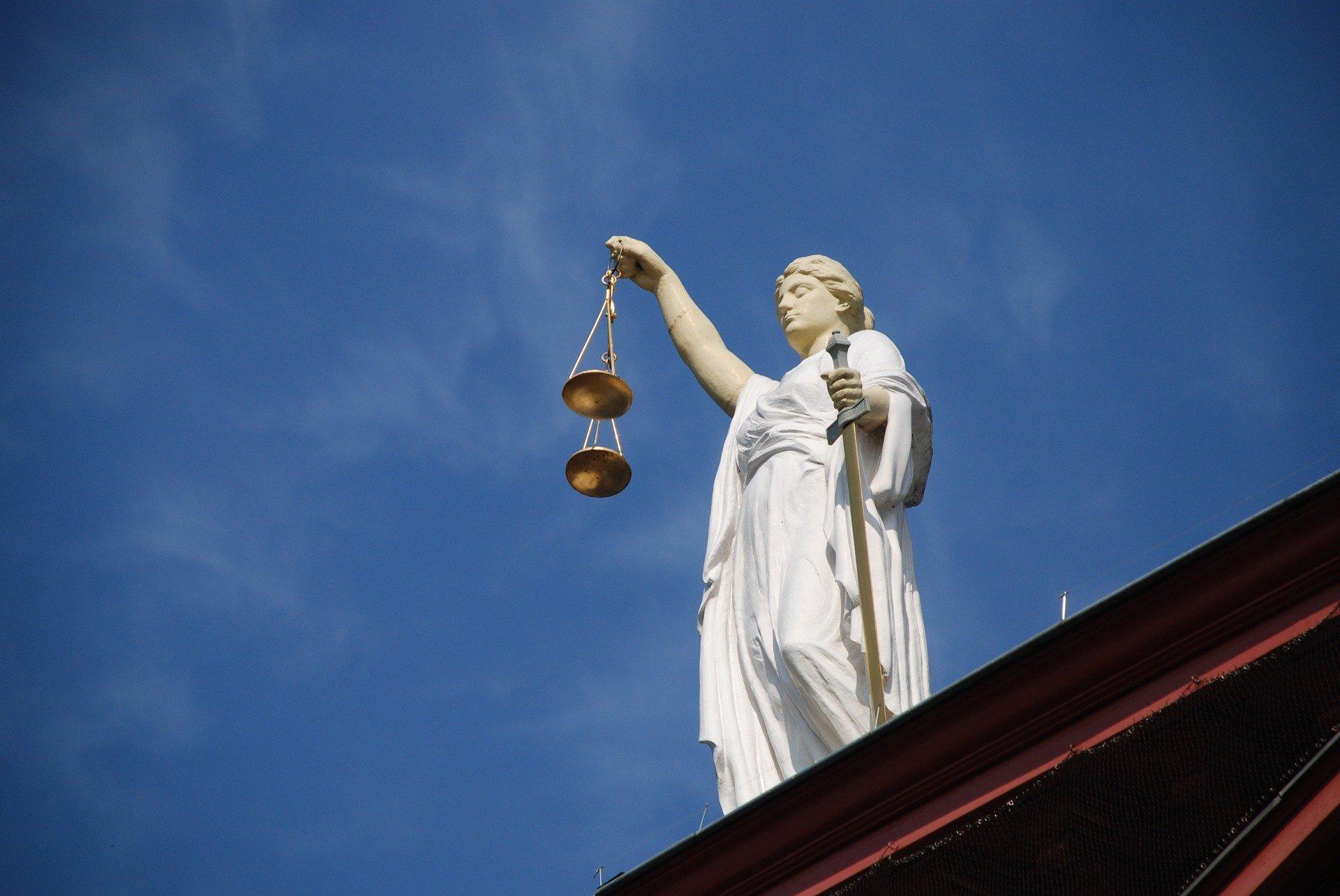 abogado especializado en derecho bancario